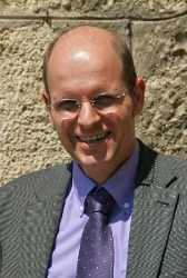 Dr. Andreas Schroter